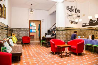 Hostellit - Hostel One Catedral Sevilla